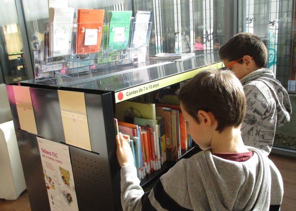 Visita a la Biblioteca Maria Clotet (4t)
